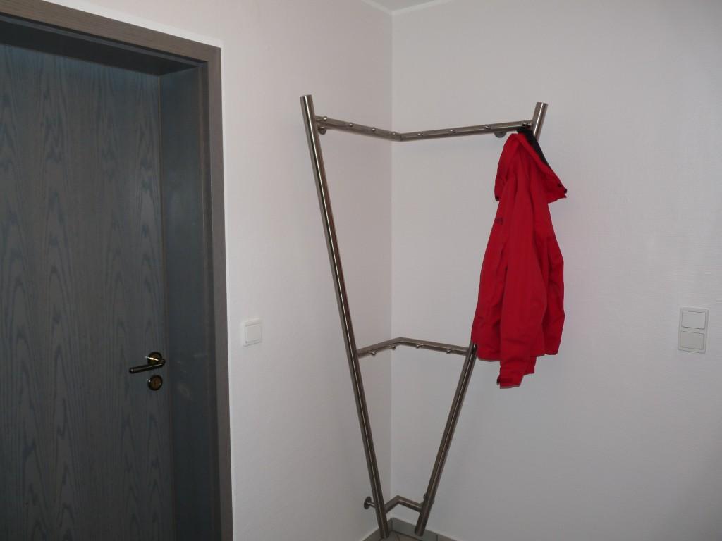 Garderobe Bild 3 - Waldemar Zilich
